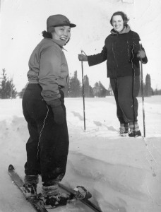 Academy of Art students, Florence Chang and Margueritte Kimball cross-country skiing at Cranbrook, 1944.