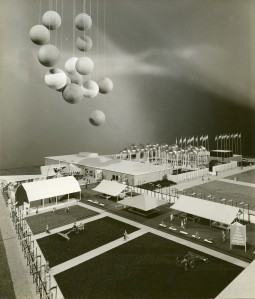 Yamasaki's model of the U.S. Pavilion at the World Agricultural Fair, India. Photograph by Balthazar Korab, ca 1959.
