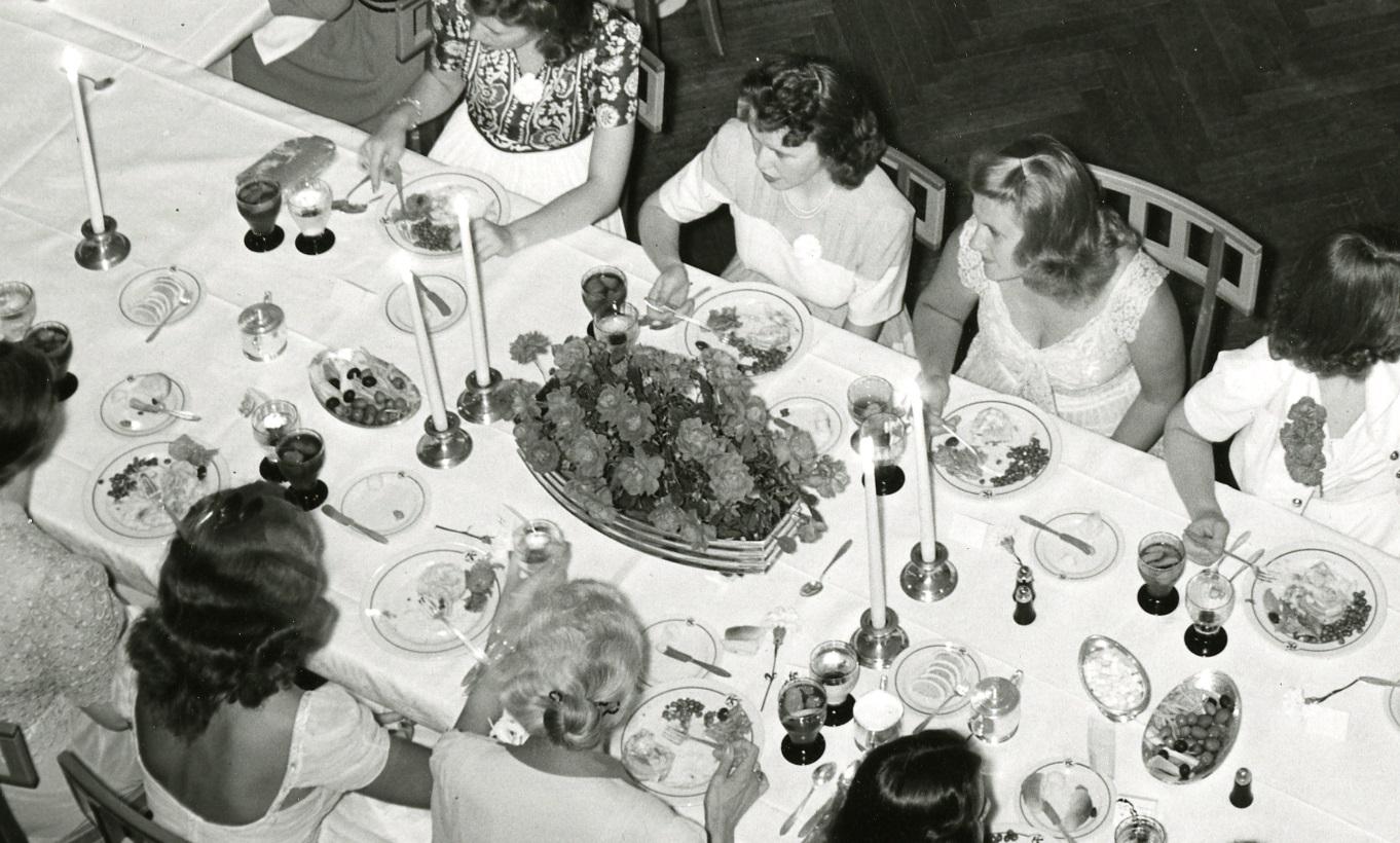 detail-5696-4_junior_senior_banquet_kingswood_school_1941-june