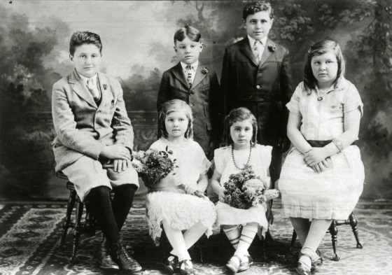 Portrait of the Vettraino family children. From left: Dominick, Sam, John, Concetta (Connie), Rose, Annette.