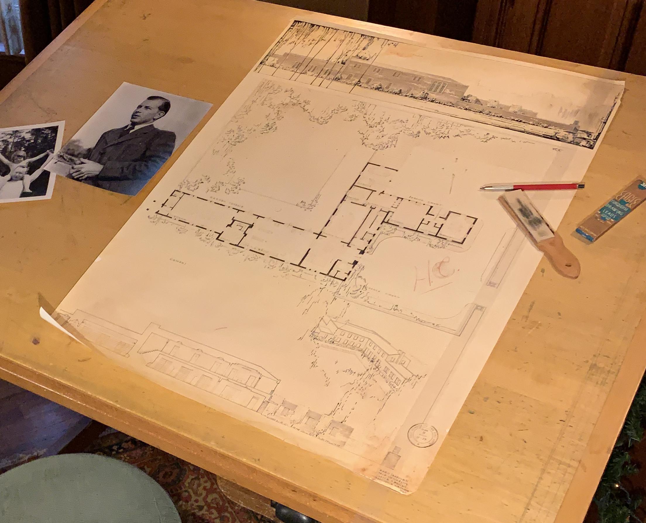 Eero Drafting Table