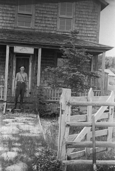 """Abandoned building from the House of David Colony on High Island. Referred to as the """"Main House."""" Photo by Robert Hatt. Courtesy Cranbrook Archives."""
